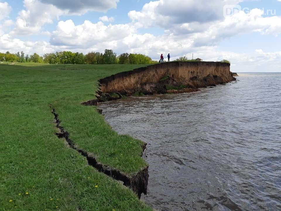 В Никольском-на-Черемшане подмывает берег. Фото, фото-1, А.Якушев