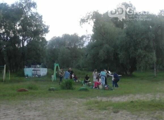 В Димитровграде зоны отдыха заполнены людьми, фото-6
