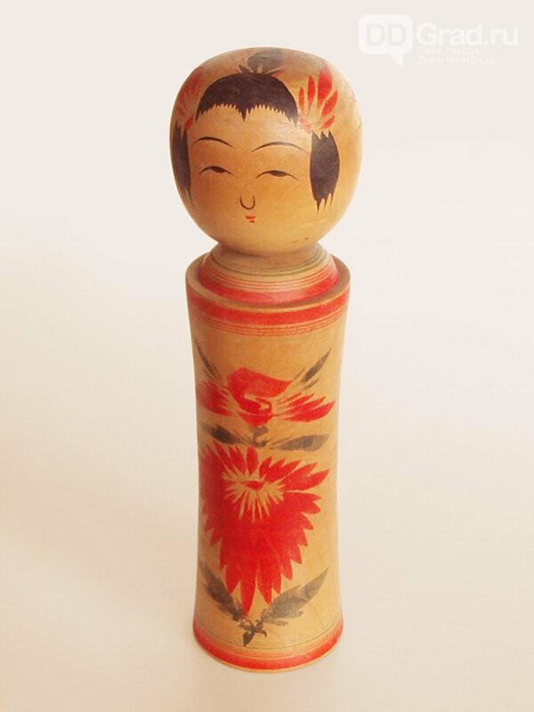 В Димитровграде в режиме онлайн проводится выставка «Мир японских кукол кокэси», фото-1