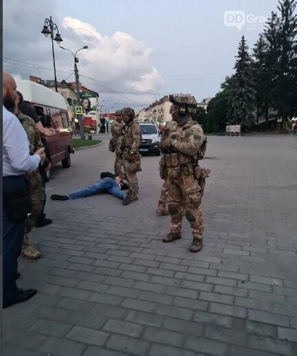 В ходе ночного штурма заложники в Украине освобождены, фото-1