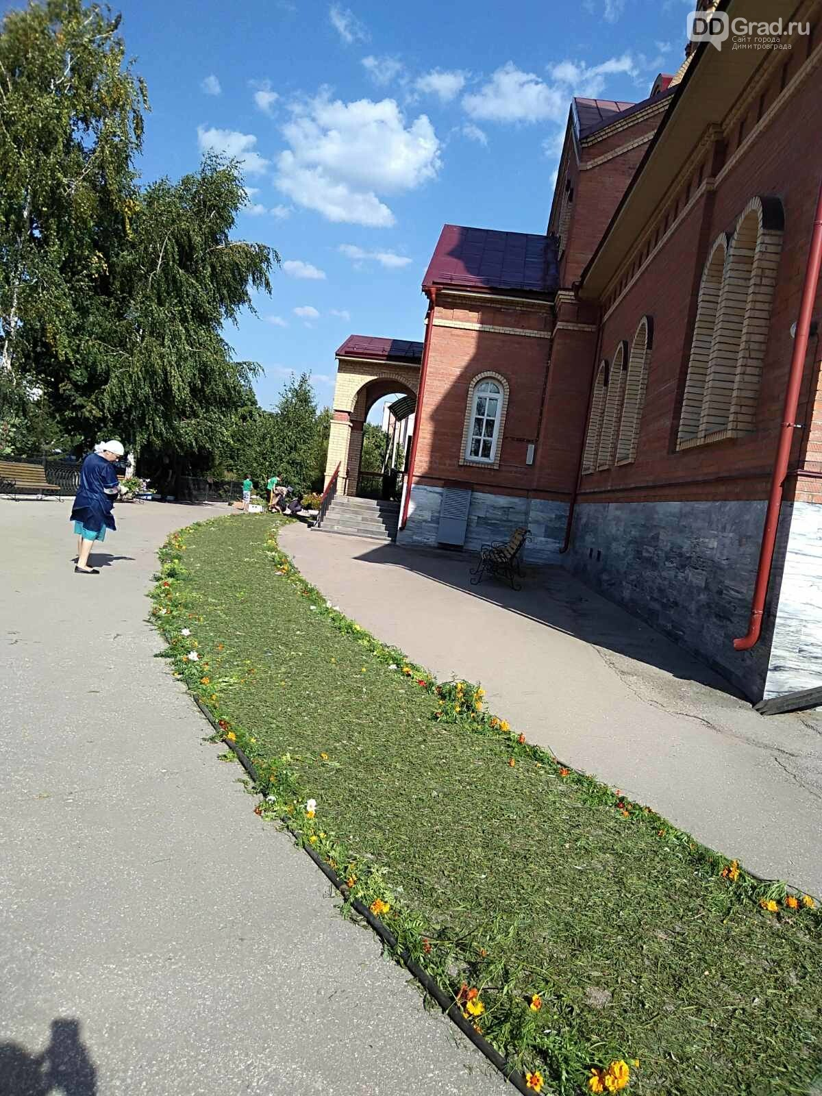 В димитровградском Спасо-Преображенском кафедральном соборе идёт подготовка к православному празднику , фото-2