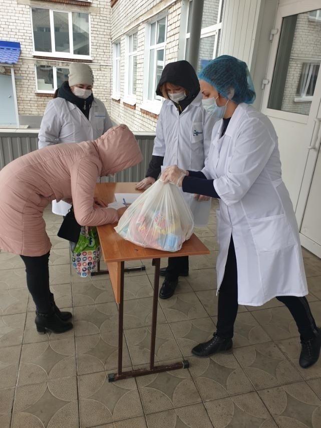 Димитровградских школьников обеспечили продуктовыми наборами, фото-2